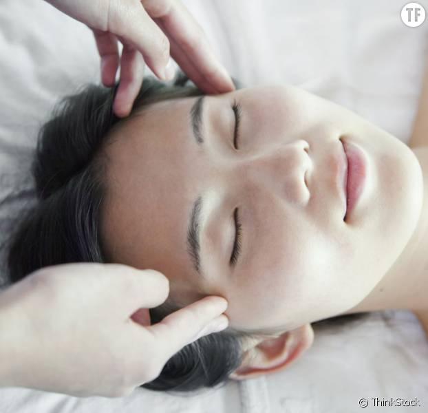 Très Cet incroyable massage facial japonais pourrait faire rajeunir de  BX53
