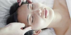 Cet incroyable massage facial japonais pourrait faire rajeunir de 10 ans
