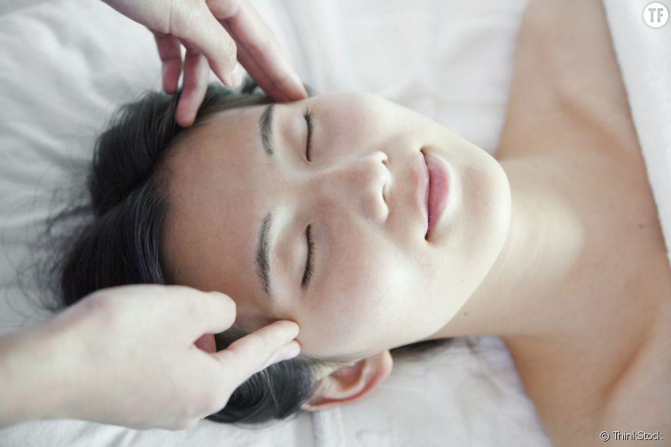 Le massage facial de la japonaise de Yukuko Tanaka, ferait rajeunir en seulement 2 semaines.