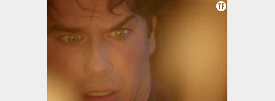 Damon brûle Elena dans la saison 7