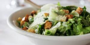 La meilleure des recettes pour une salade César à tomber