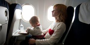 10 conseils pour prendre l'avion avec bébé