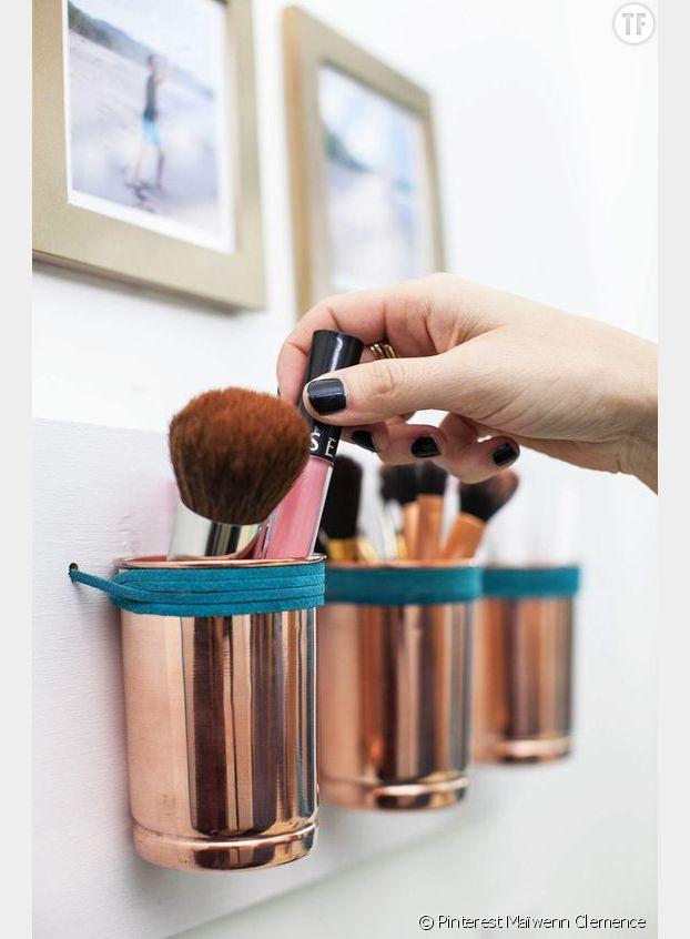 Pour gagner en place, on investit les murs avec notre make-up