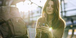 Les astuces pour ne pas exploser sa facture de téléphone à l'étranger