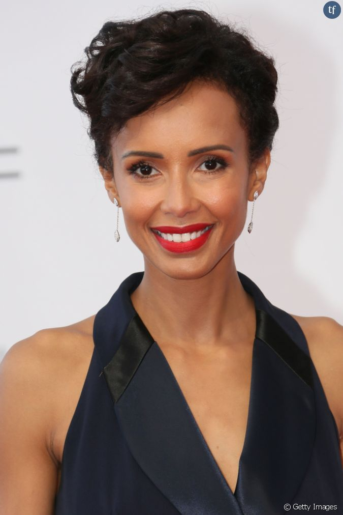 On valide la coupe courte ondul e de l 39 ancienne miss france sonia rolland - Coupe a la garconne femme ...