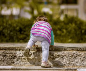 10 trucs qui changent quand bébé marche