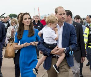 Kate Middleton, Le prince William, et leur fils le prince George assistent au Royal International Air Tattoo à Gloucester le 8 juillet 2016