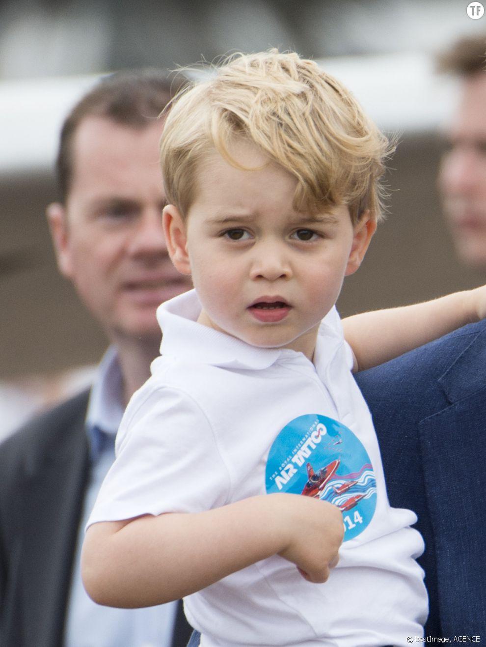 Kate Middleton, Le prince William, et leur fils le prince George assistent au Royal International Air Tattoo à Gloucester le 8 juillet 2016