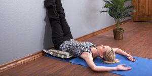 Cette posture de yoga va vous aider à dormir en deux minutes