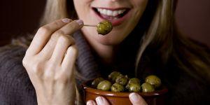Pourquoi vous devriez manger des olives tous les jours