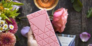 La tablette de chocolat saveur rosé, la gourmandise pompette de l'été