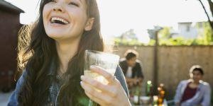 Vous avez probablement mal tenu votre verre à vin toute votre vie