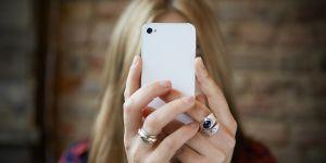 Le selfie, cause de l'augmentation des opérations de chirurgie esthétique ?