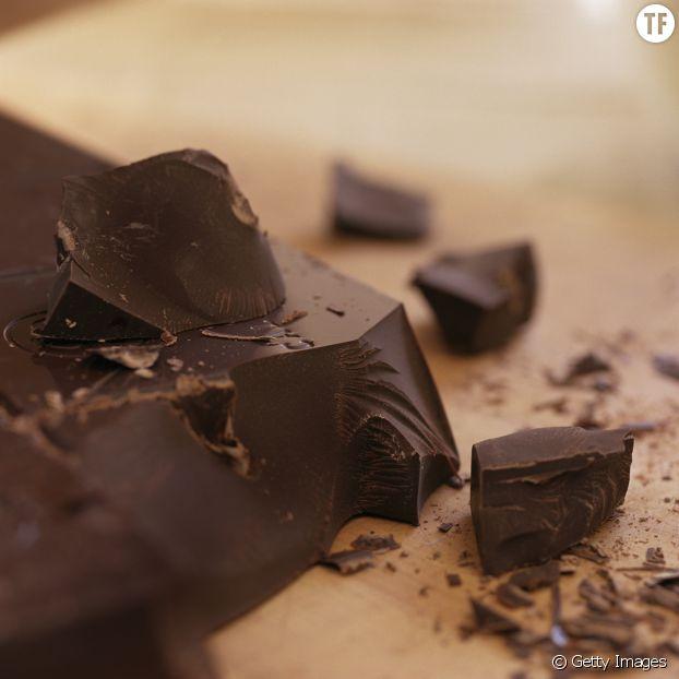 Du cacao en poudre, de l'huile de noix de coco et du sirop d'érable : les 3 ingrédients de votre chocolat maison