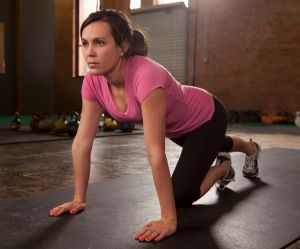 La nouvelle tendance fitness ? Ramper !