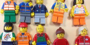 """Le coup de gueule d'un prof contre Lego : """"Les filles ne sont pas des nunuches !"""""""