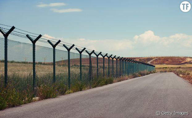 """L'actuelle frontière entre le Mexique et les Etats-Unis, lieu de passage des """"violeurs"""" selon Trump"""