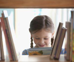 15 idées pour ranger les livres des enfants dénichées sur Pinterest