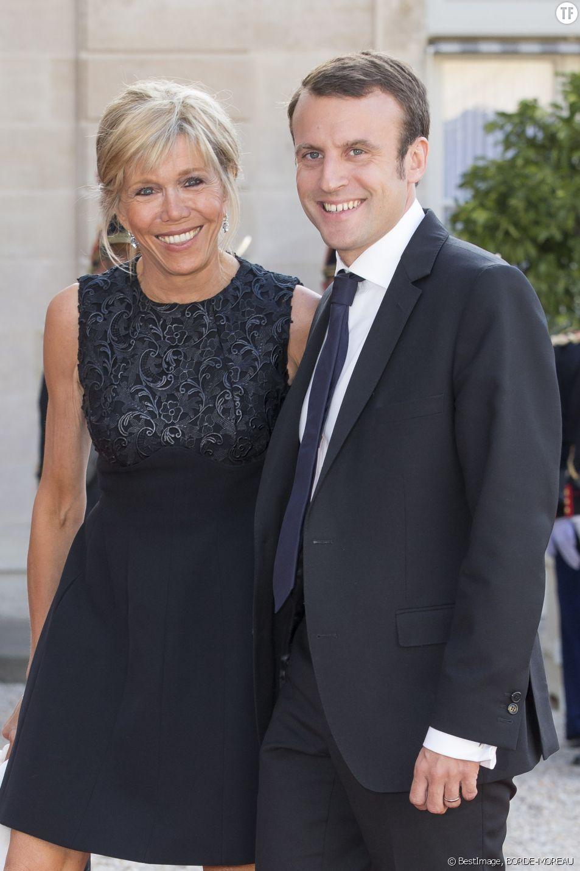 Emmanuel Macron et son épouse Brigitte Trogneux