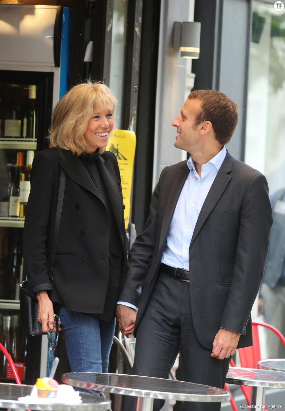 emmanuel macron y brigitte trogneux p gina 23 cotilleando el mejor foro de cotilleos sobre. Black Bedroom Furniture Sets. Home Design Ideas