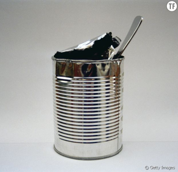 Comment Ouvrir Une Boite De Conserve Sans Ouvre Boite la technique pour ouvrir une boîte de conserve avec une cuillère