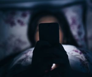 Procastination du sommeil : 5 astuces pour éviter de se coucher trop tard
