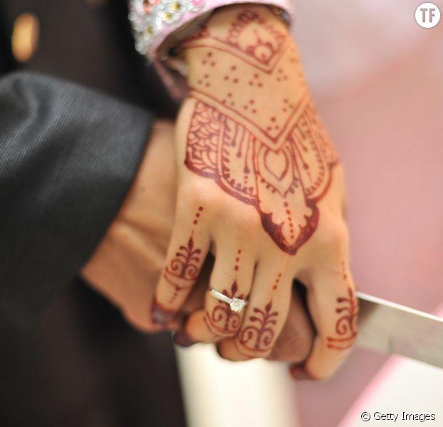 Polygamie, violence conjugale, devoir sexuel : en Turquie, un guide pour jeunes mariés crée la controverse