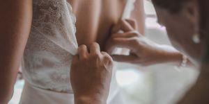 Elle retrouve la robe de mariée de son arrière-arrière grand-mère grâce à Facebook