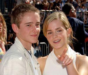 Emma Watson et son petit frère en 2007