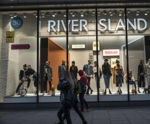 River Island retire ses grandes tailles des magasins : de qui se moque-t-on ?