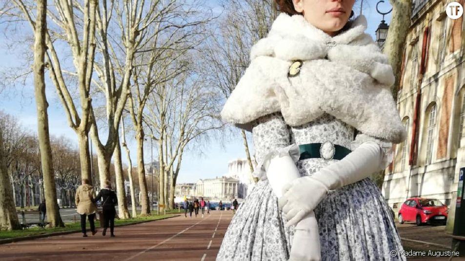 """Elle se fait refuser l'entrée au château de Versailles à cause d'une tenue jugée """"incorrecte"""""""
