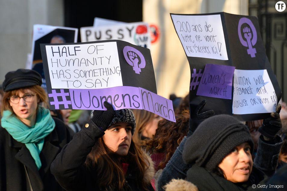 Manifestantes lors de la Women's March à Paris en janvier 2017