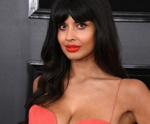 """""""Où sont mes vergetures ?"""" : l'actrice Jameela Jamil dénonce les retouches sur sa photo"""