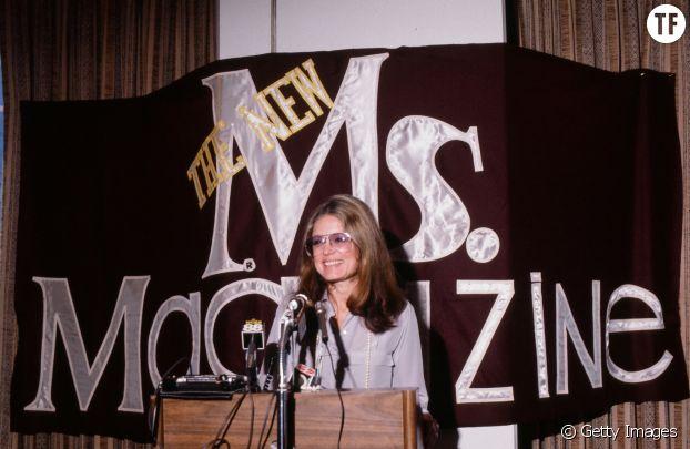 Gloria Steinem à une conférence de presse à propos du magasine Ms.