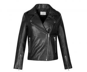 La veste en cuir est-elle le nouvel uniforme des femmes de pouvoir ?