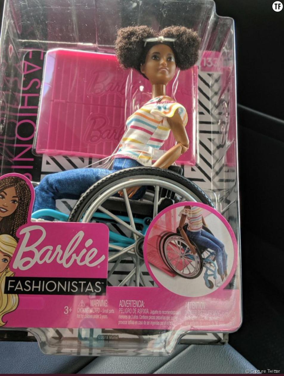 La nouvelle Barbie noire en fauteuil roulant