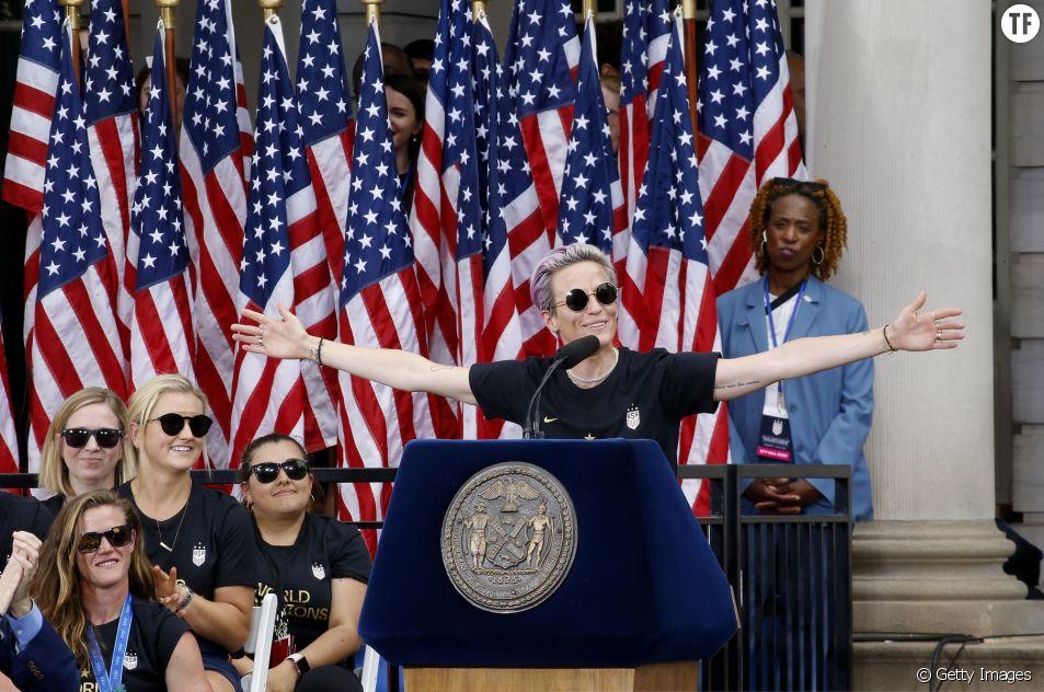 La championne du monde de foot Megan Rapinoe lors de son discours au City Hall de New York le 10 juillet 2019