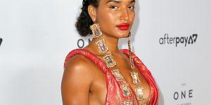 Indya Moore rend hommage aux femmes trans assassinées avec des bijoux saisissants