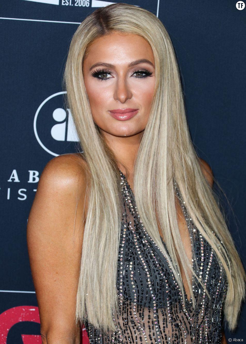 """""""Toutes les femmes devraient le faire"""" : pourquoi Paris Hilton a congelé ses ovocytes"""