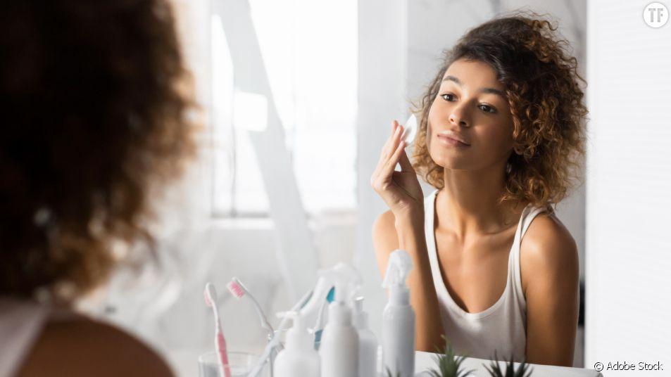 Et si on se mettait au makeupfulness, cette pratique beauté qui prend soin de notre mental ?