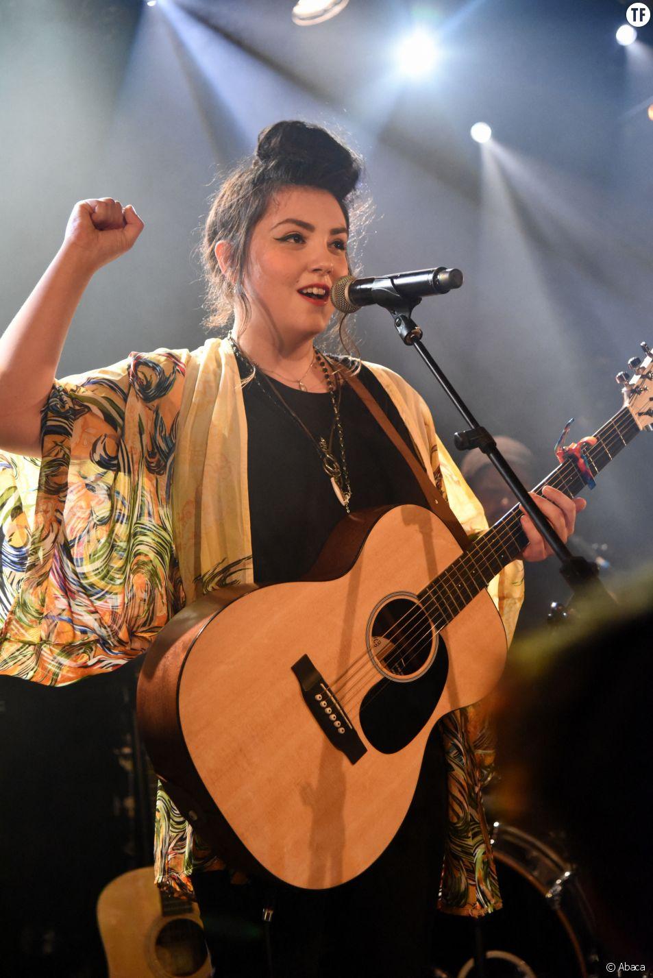 La chanteuse Hoshi en concert à Paris le 16 janvier 2018