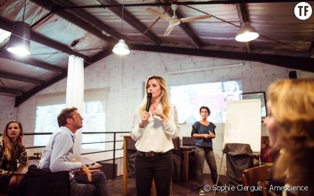 Sophie Clergue organise conférences et table rondes autour de l'hypersensibilité.