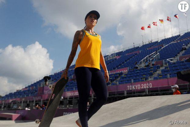 Star sur les réseaux sociaux et as du skate, Leticia Bufoni détonne.