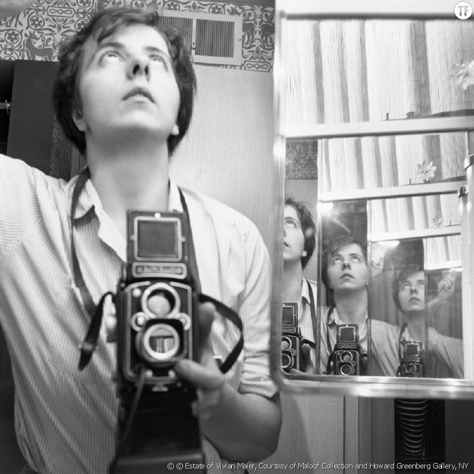 Vivian Maier, la gouvernante qui était (aussi) une photographe de génie [Chicago, 1956, © Estate of Vivian Maier, Courtesy of Maloof Collection and Howard Greenberg Gallery, NY]