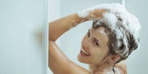 Vous lavez (sûrement) vos cheveux de la mauvaise façon
