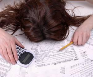 13 étapes émotionnelles que nous traversons en remplissant notre feuille d'impôts