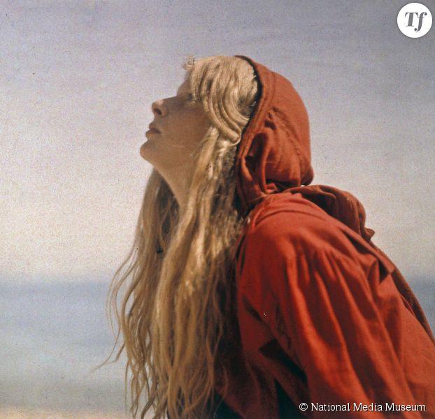 Christina, les premières photographies en couleurs de Mervyn O'Gorman