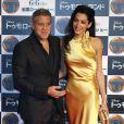George Clooney et sa femme  Amal Clooney posent pour les photographes le 25 mai 2015.