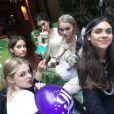 Lily-Rose et ses amies lors de son anniversaire