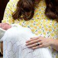 """Les Britanniques ont surnommé la princesse Charlotte """"The sleeping cutie"""""""